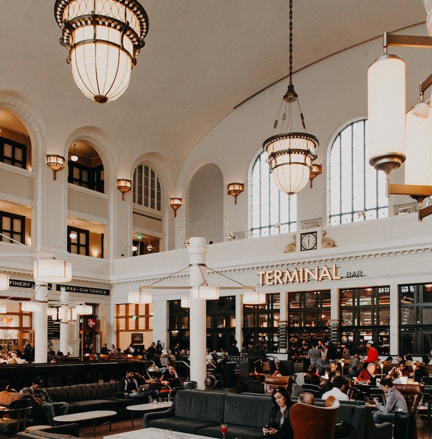 Cooper Lounge, above the Terminal Bar in Union Station