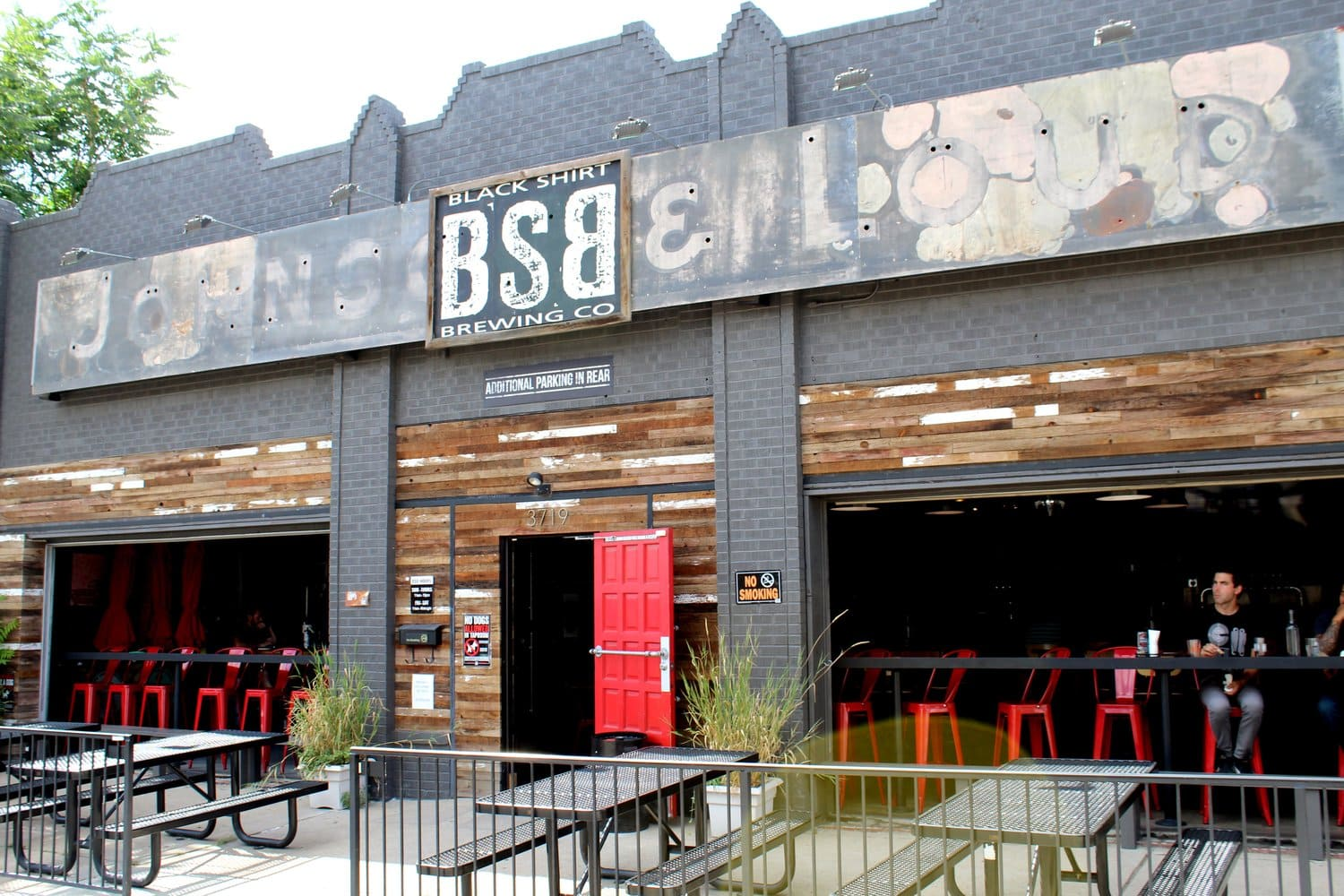 Black Shirt Brewign - one of many breweries in Denver with food